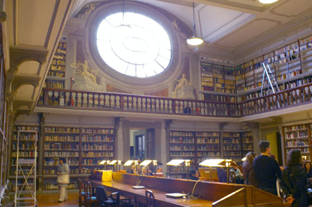 Fai_biblioteca_2
